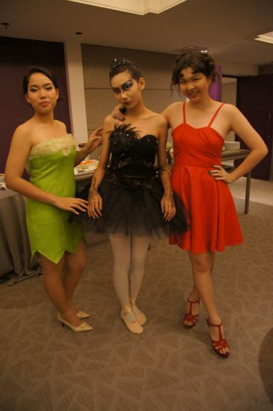 Black_swan_costume